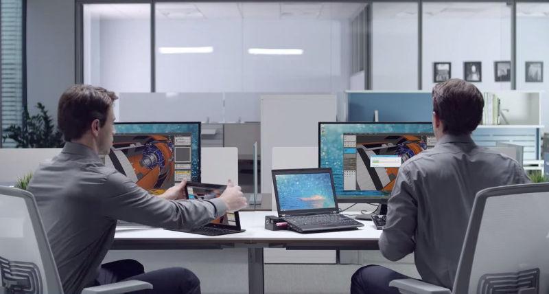 Dos ejecutivos clonados realizan procesos a velocidad distinta - uno de ellos utiliza tecnologías inalámbricas, lo que acelera su labor