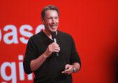 Larry Ellison dimite como CEO de Oracle y es sustituido por sus dos vicepresidentes