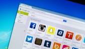 Google Play Store en monitor de PC , mostrando una selección de apps sociales