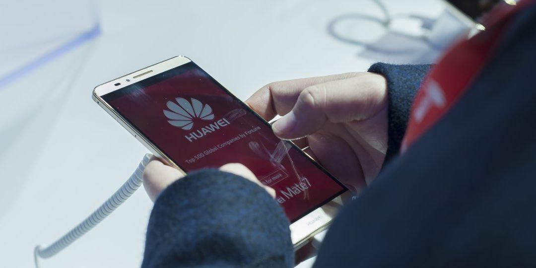 Huawei habría falseado pruebas de desempeño