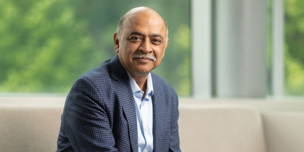 """Arvind Krishna: """"La nube híbrida infundirá IA en los sistemas y el software"""""""