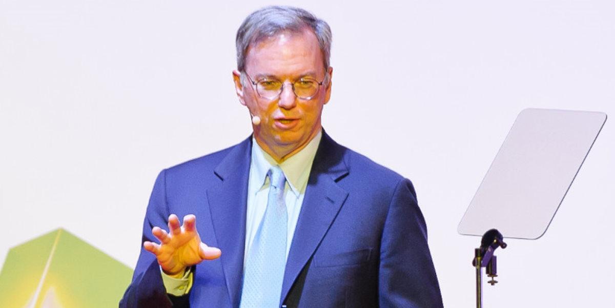"Eric Schmidt, ex CEO de Google, denuncia ""prácticas inaceptables"" en Huawei"