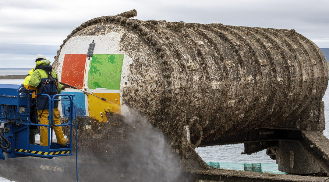 Microsoft reflota centro de datos submarino Natick