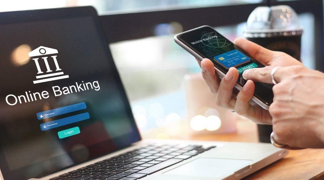 """World Retail Banking Report 2021: hacia la adopción de la """"banca como servicio"""""""